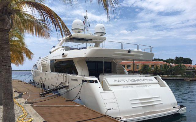 OM legt beslag op luxe jacht Bonaire