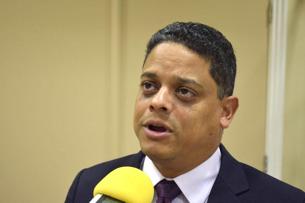 Rhuggenaath: 'Geen PCR test en geen sneltest voor vliegen van Curaçao naar Nederland