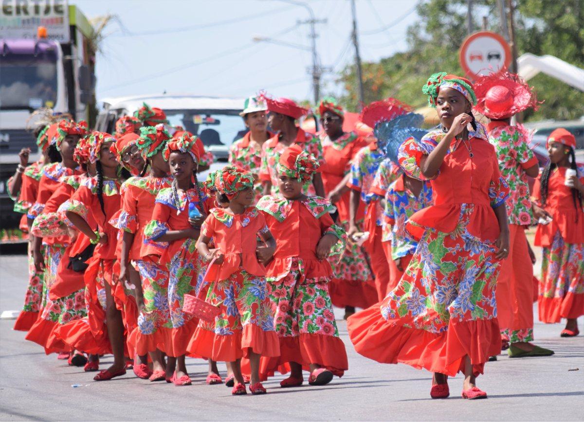 Terugblik op Marcha di Seú 2019: de Optocht van het Oogstfeest