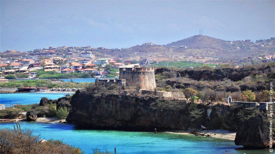 Curaçao natuur en geschiedenis: de Caracasbaai