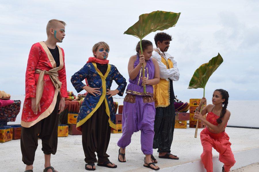 Uitvoering Aladdin door Jeugd theaterschool Drazans