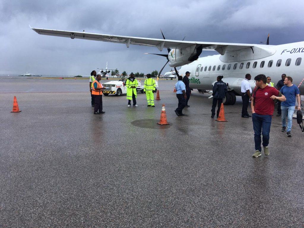 Winairvlucht naar Curaçao maakt noodlanding Sint-Maarten