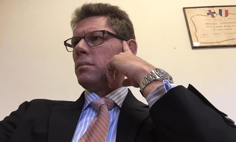 Jonckheer dient per direct ontslag in