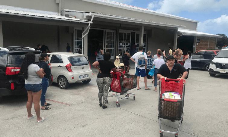 Supermarkten Sint-Maarten twee weken dicht