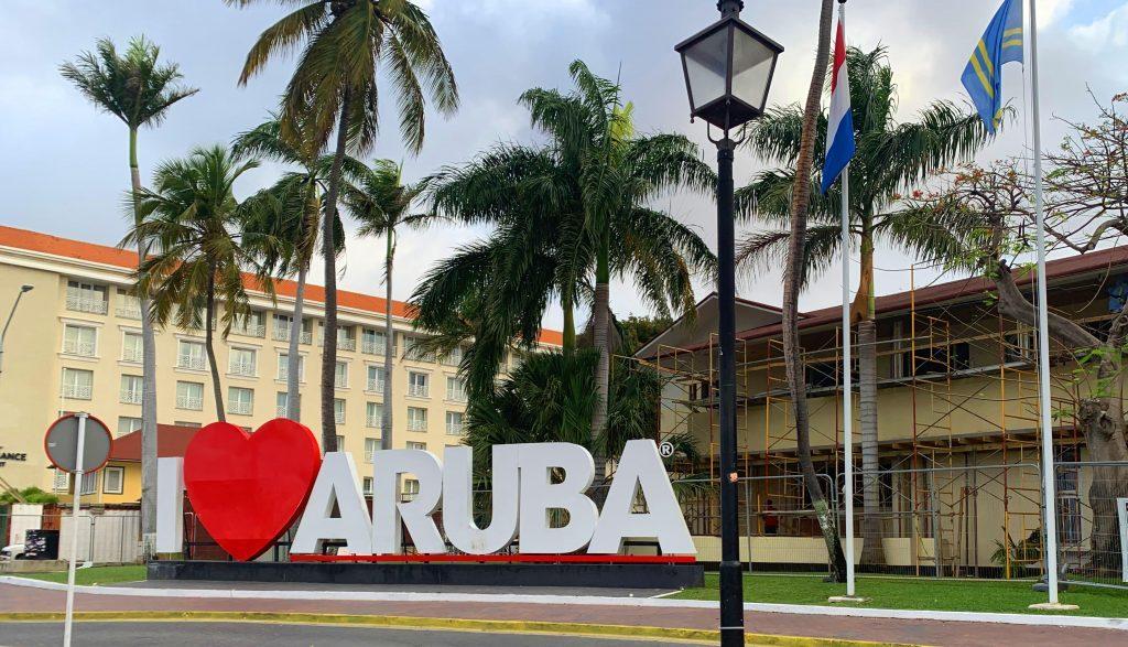 Aruba kan ambtenarensalarissen niet langer garanderen