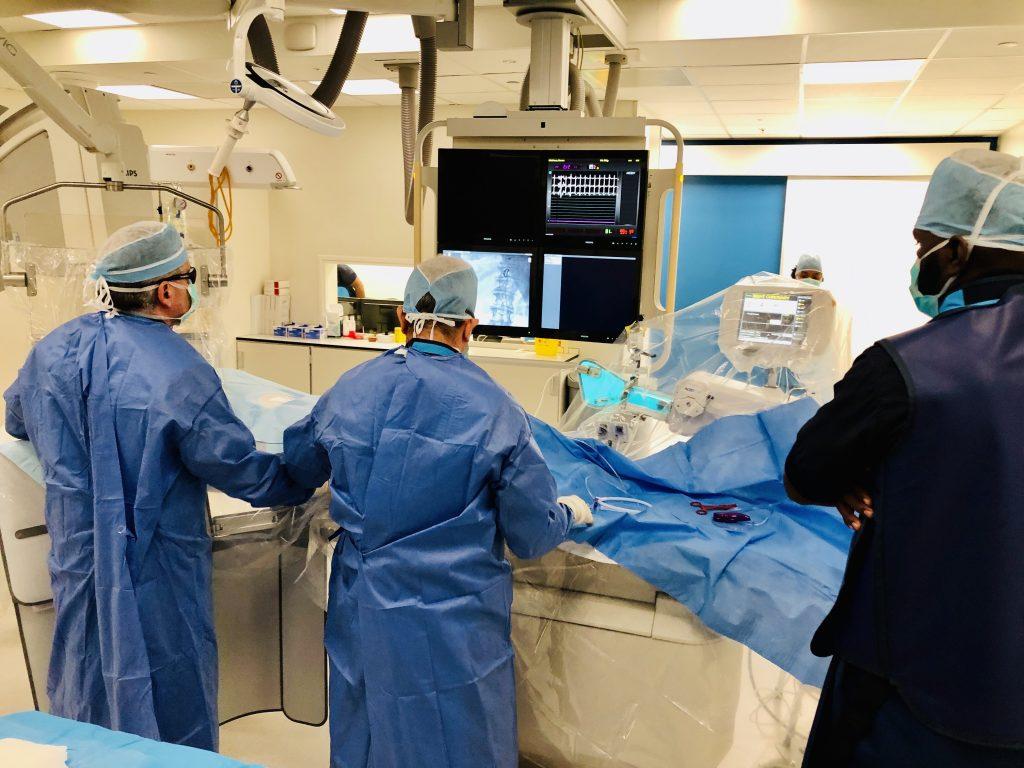 CMC Curaçao is blij met medisch materiaal