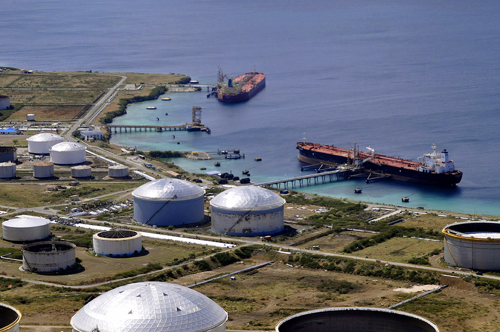 Raffinaderij Curaçao mogelijk geëxploiteerd door Curaçaose groep