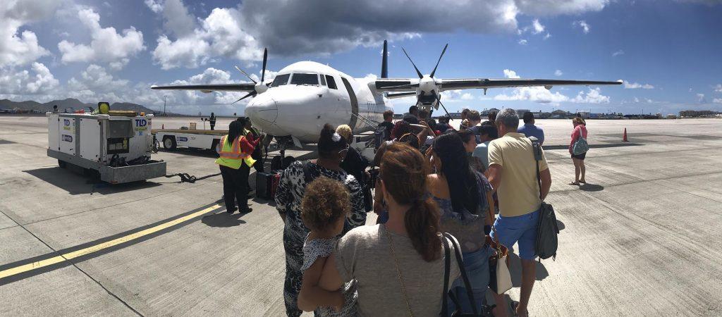 Laatste Fokker 50 van voormalig Insel Air vertrekt van Curaçao