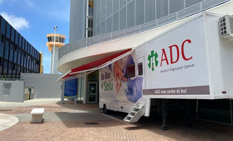 Luchthaven Curaçao krijgt mobiel testcentrum