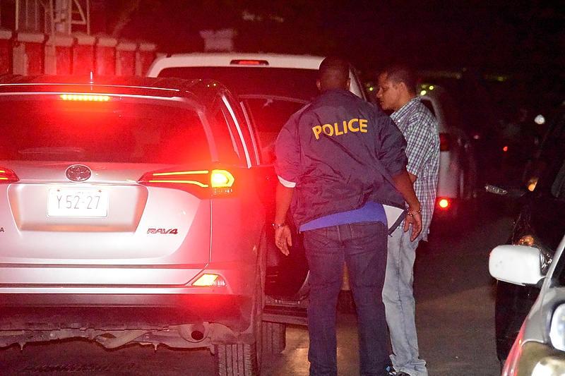 Rechters: politieagenten op Curaçao moeten niet naar nachtclubs gaan