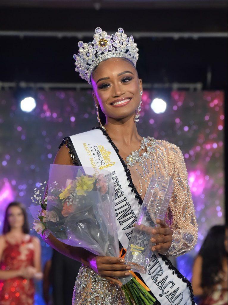 Shariengela Cijntje is Miss Universe Curaçao 2021